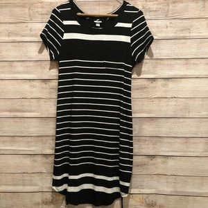 🌻3/$20 Merona black & white stripe dress with tie
